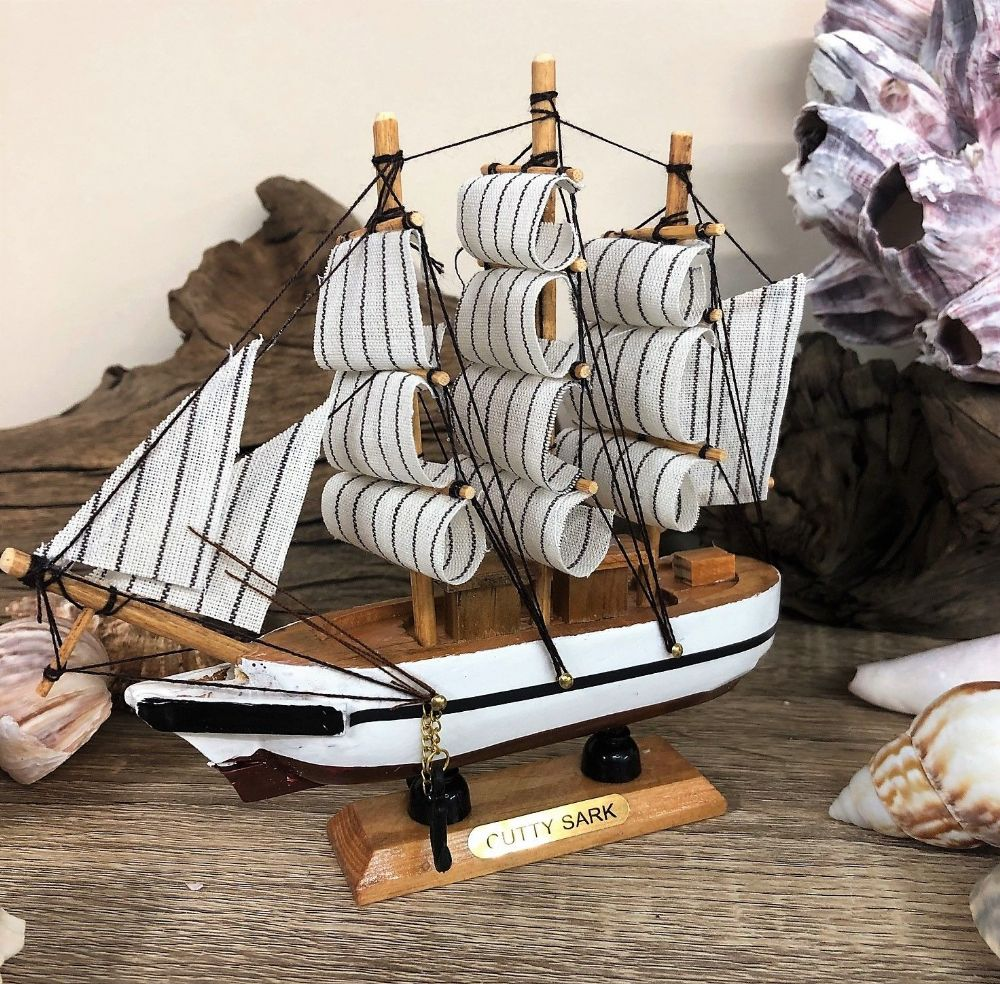 Cutty Sark Tea Clipper Ship Ornament 15.5cm